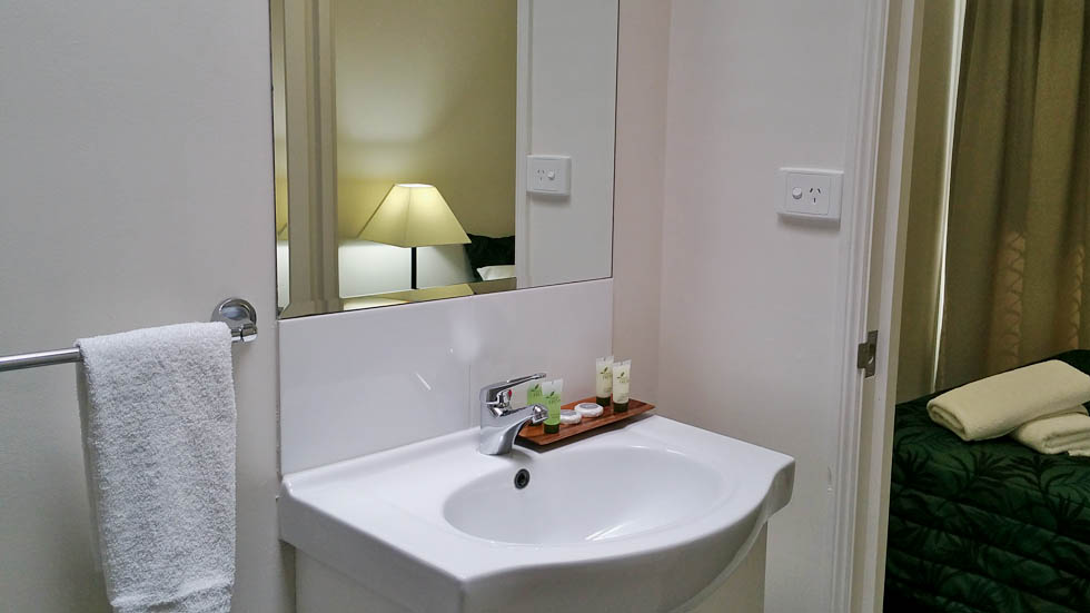 En Suite Bathroom facilities at Port Denison Motor Inn - Bowen